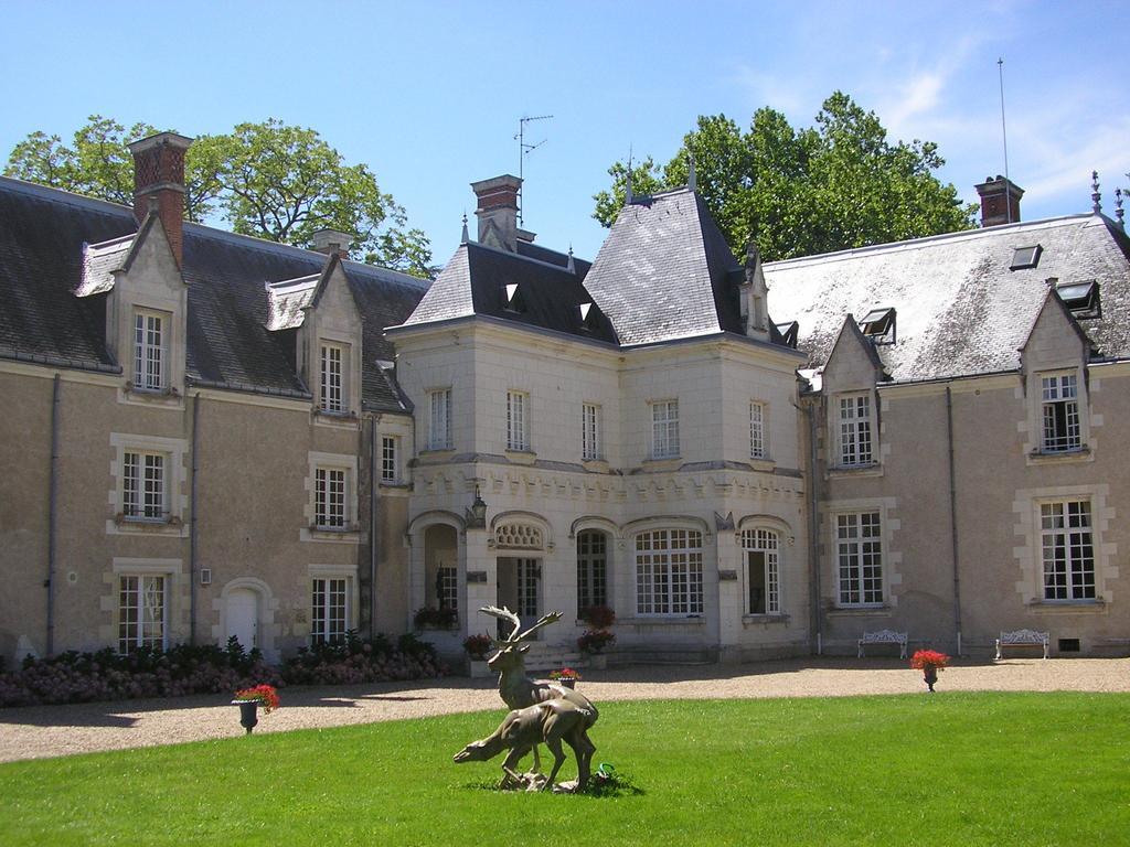 Domaine de Charme de Razay mariage, séminaire, gites et cabanes dans les arbres