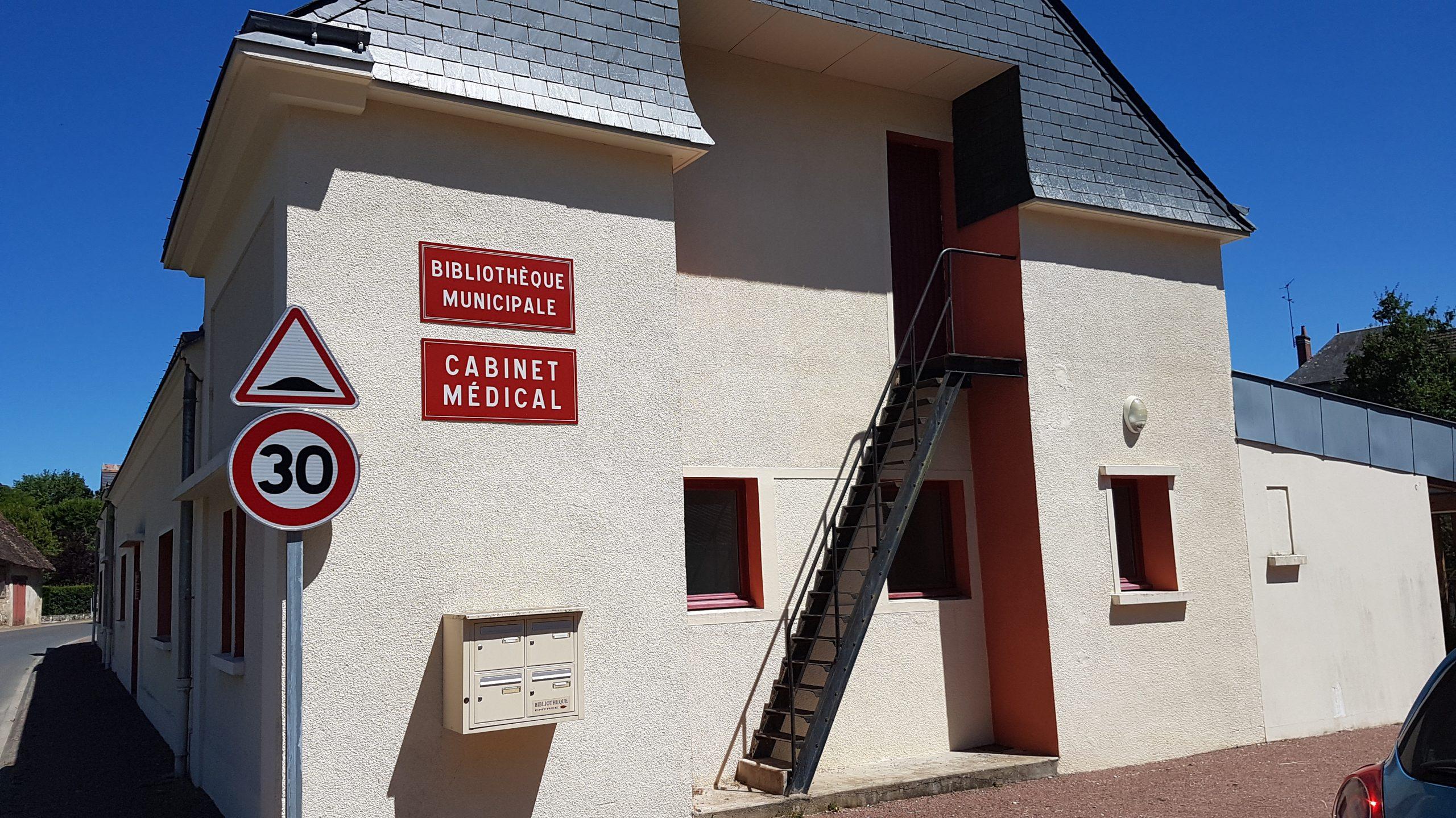 cabinet médical et bibliothèque municiaples Céré la Ronde